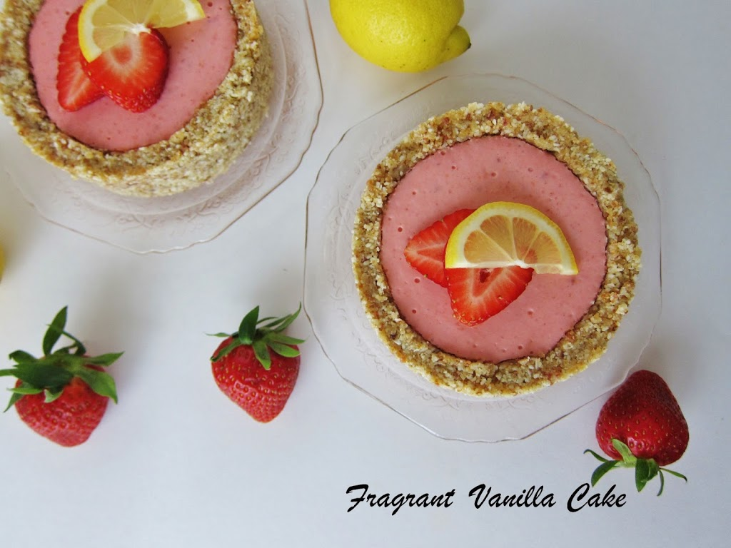 Raw Strawberry Lemonade Tartlettes