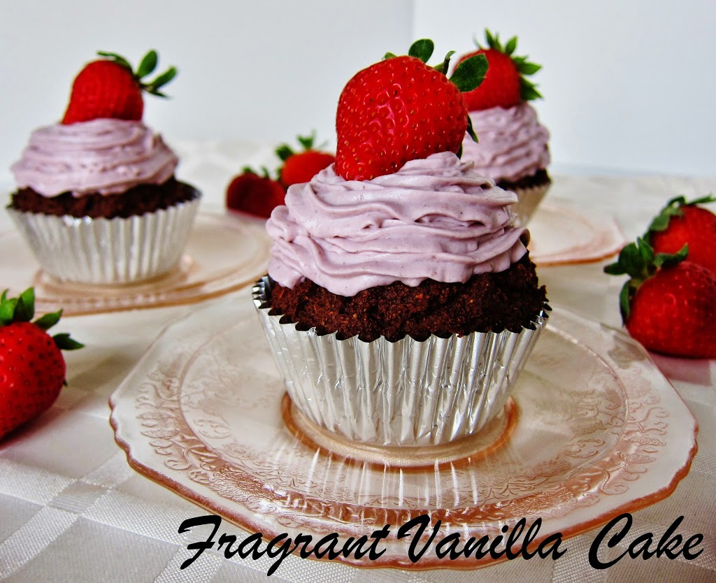 Raw Chocolate Strawberry Cupcakes
