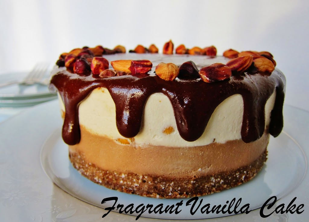 Raw Snickers Cheesecake