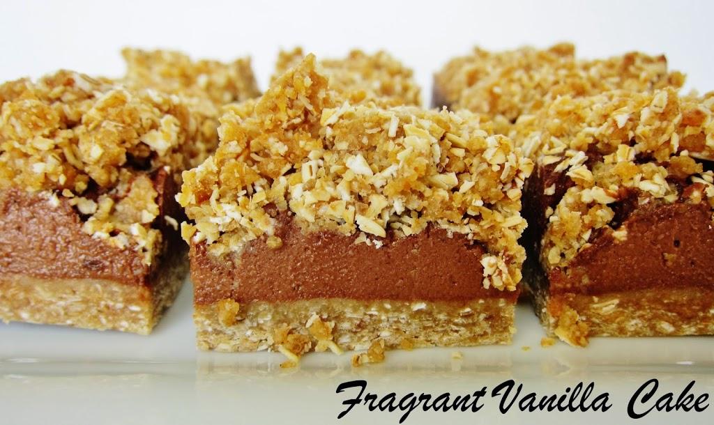 Raw Chocolate Fudge Crumble Bars