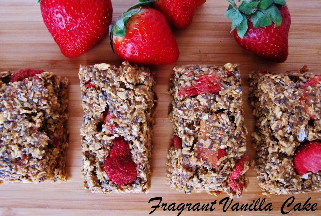 Raw Strawberry Oat Breakfast Bars