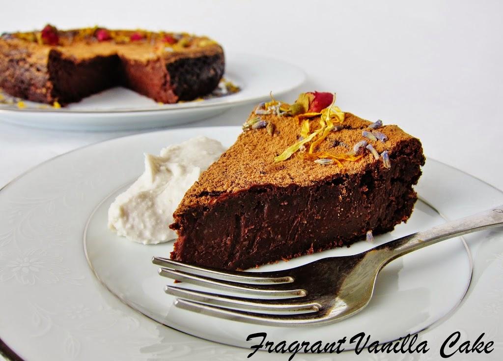 Vegan Flourless Chocolate Cake | Fragrant Vanilla Cake