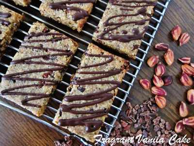 Peanut Butter Chocolate Chip Energy Bars