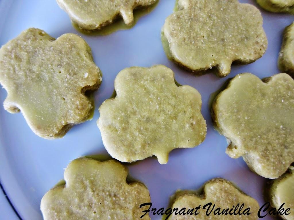 Raw Vanilla Mint Shamrock Cookies