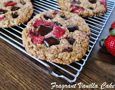 Strawberry Oatmeal Cookies 1