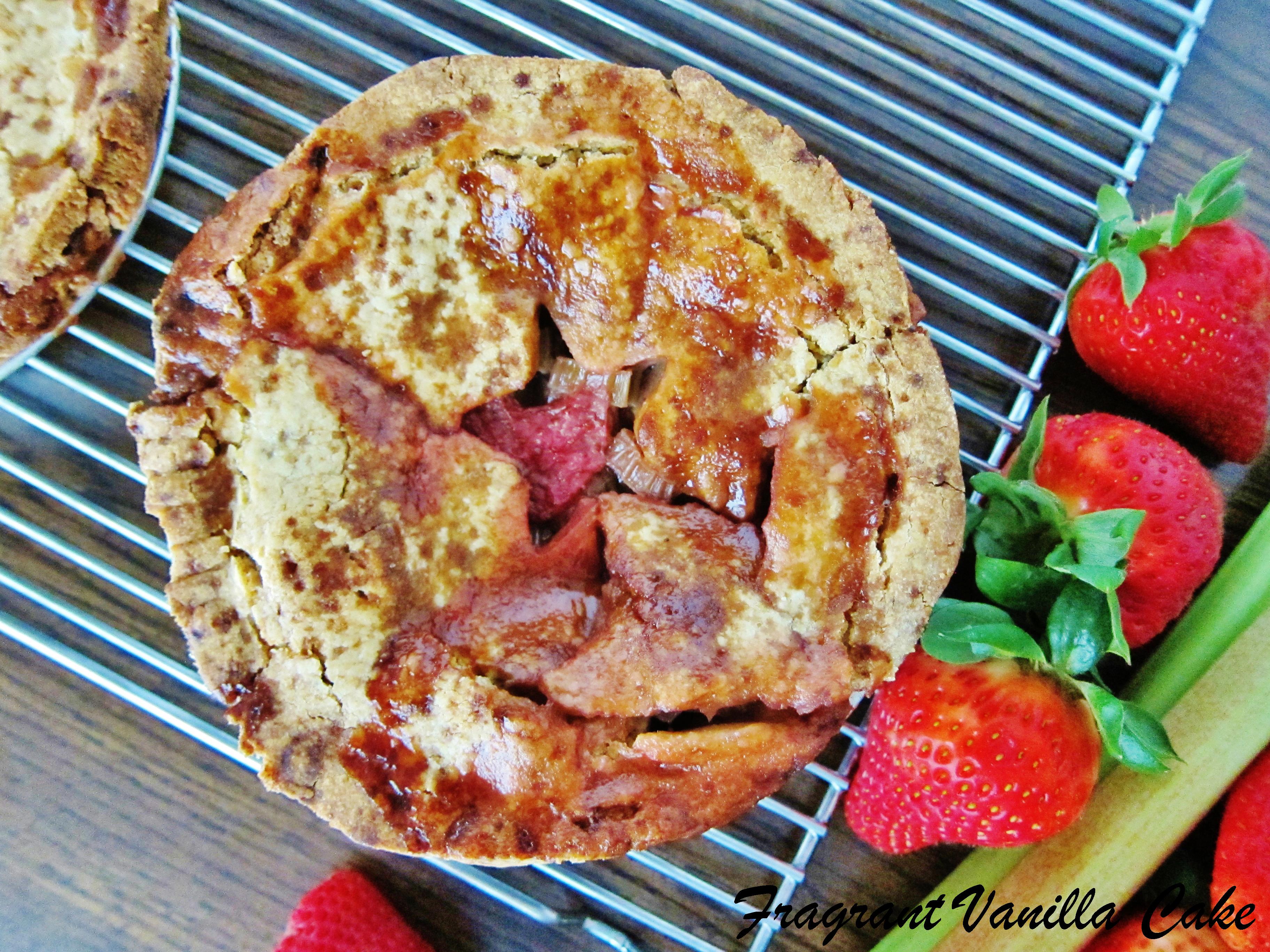 Vegan Strawberry Rhubarb Mini Pies with Lemon Crust