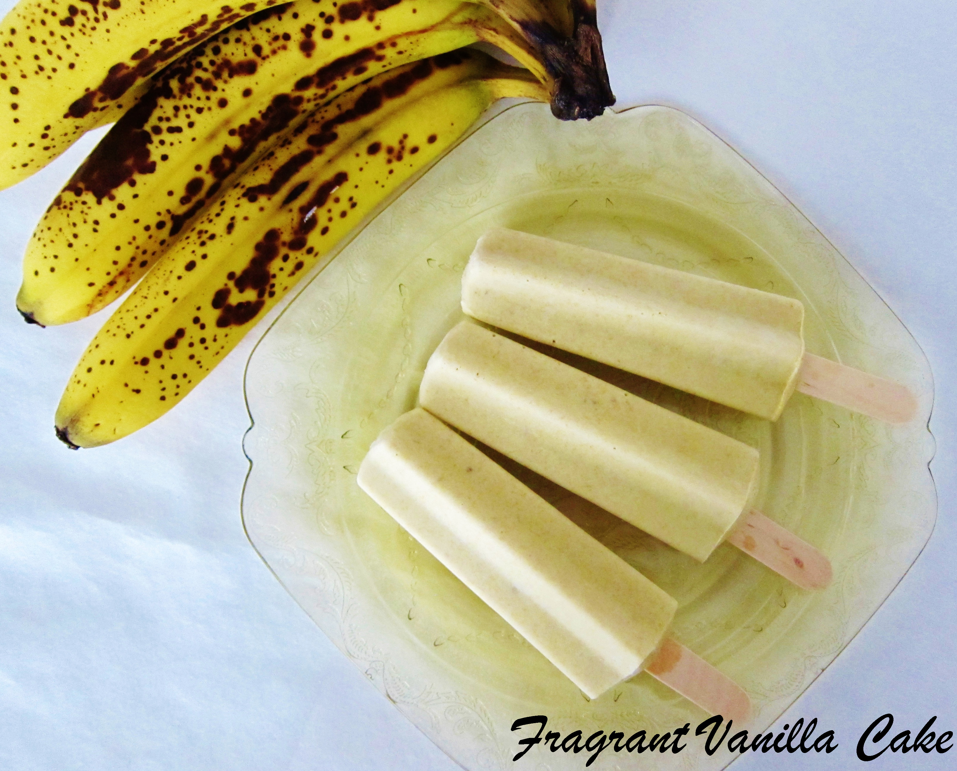 4 Ingredient Banana Cream Pie Popsicles