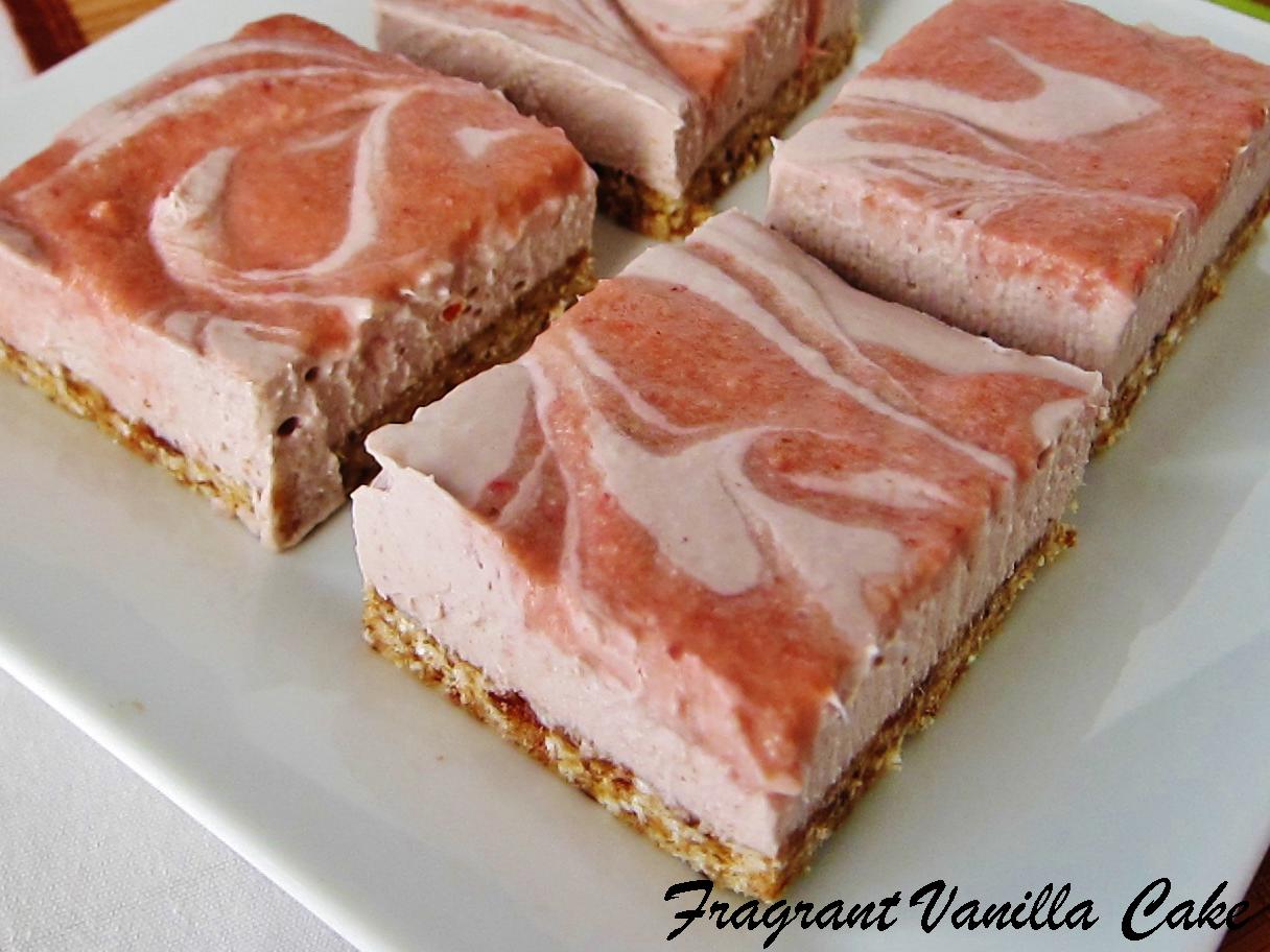 Raw Strawberry Rhubarb Cheesecake Bars