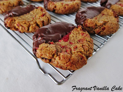 Hazelnut Raspberry Cookies