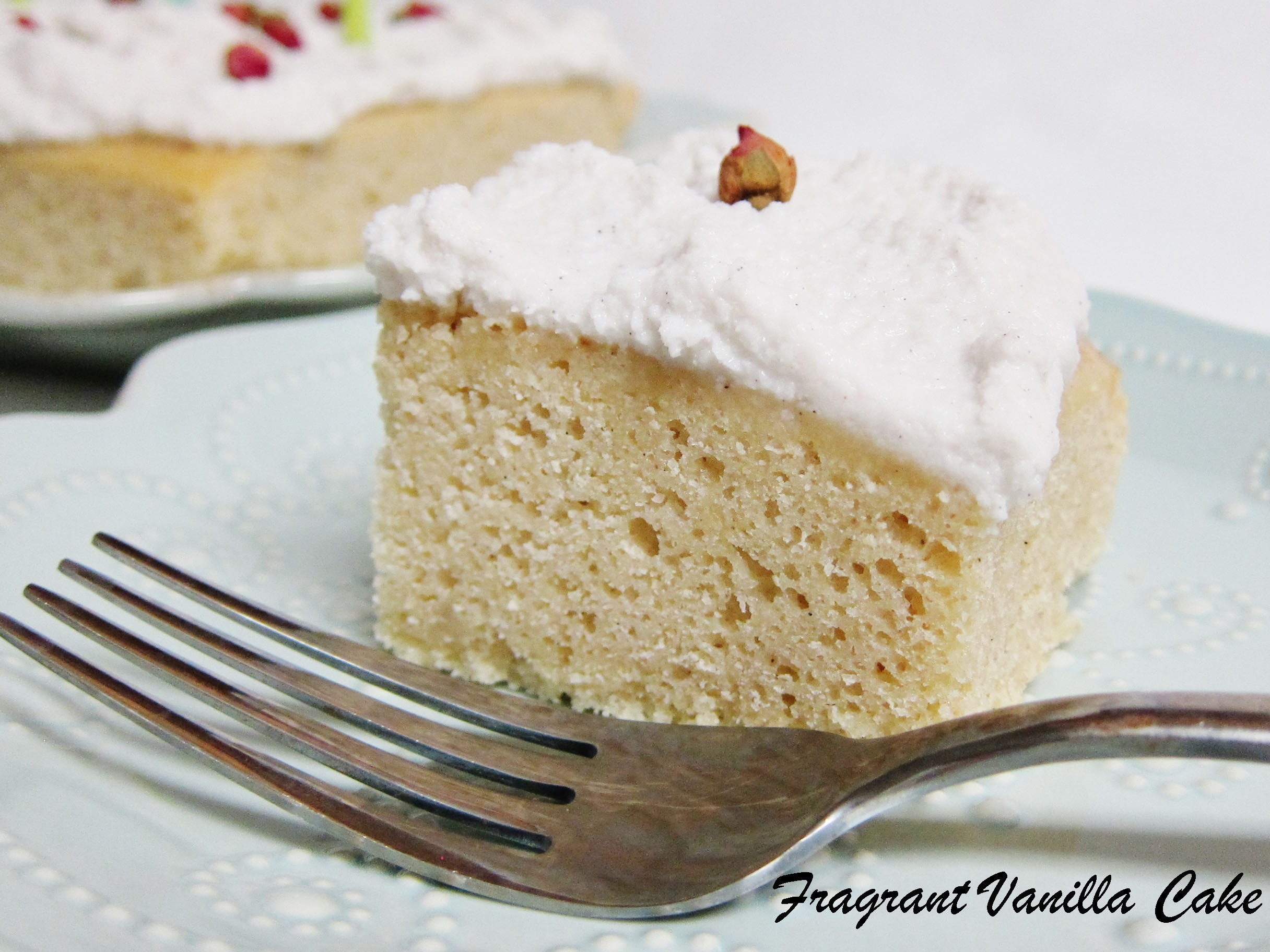 Simple Vegan Vanilla Bean Cake