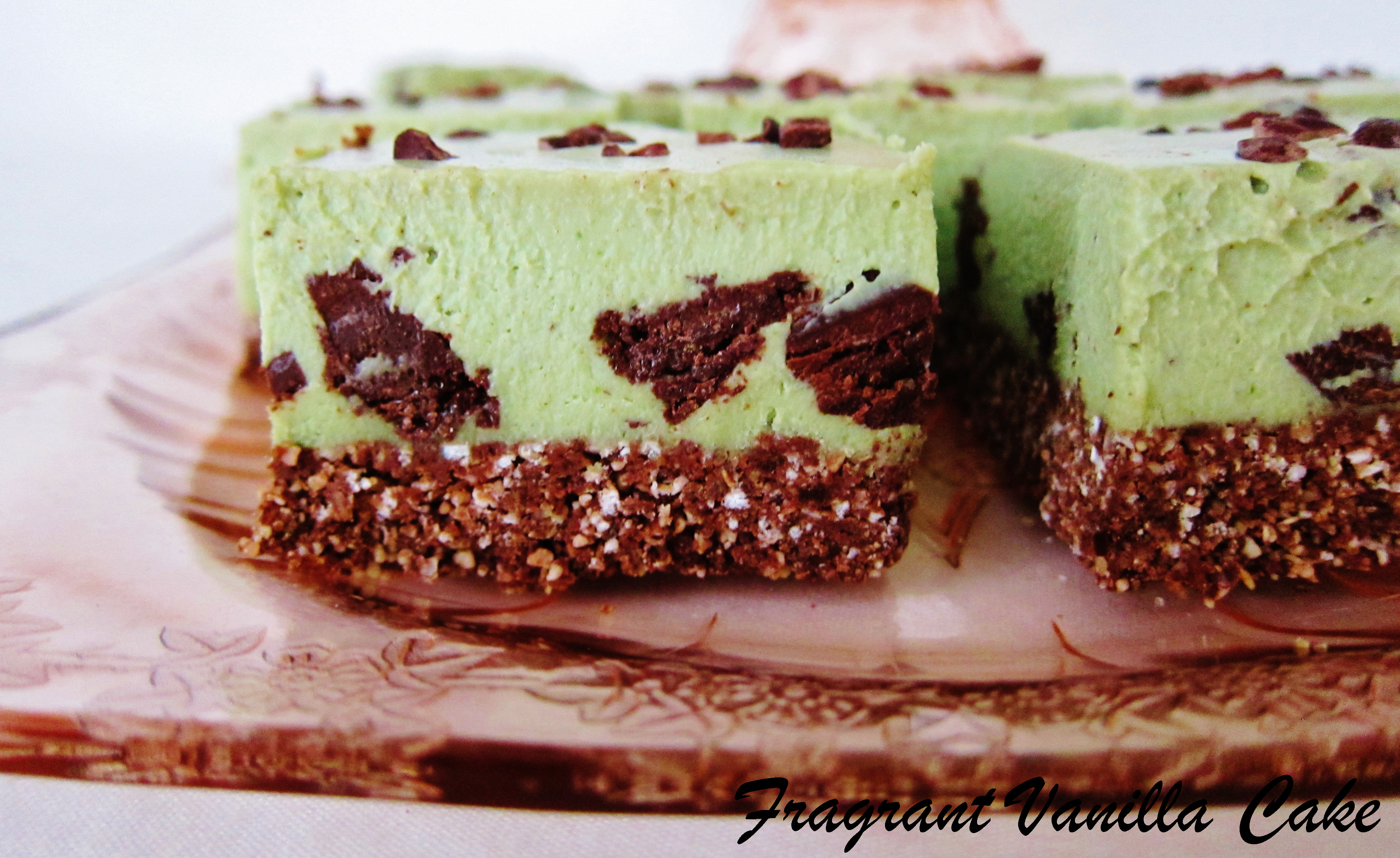 Raw Mint Chip Cheesecake Bars