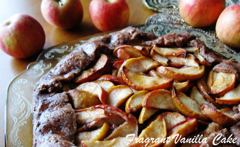 Vegan Crab Apple Rustic Tart with Gingerbread Crust 2