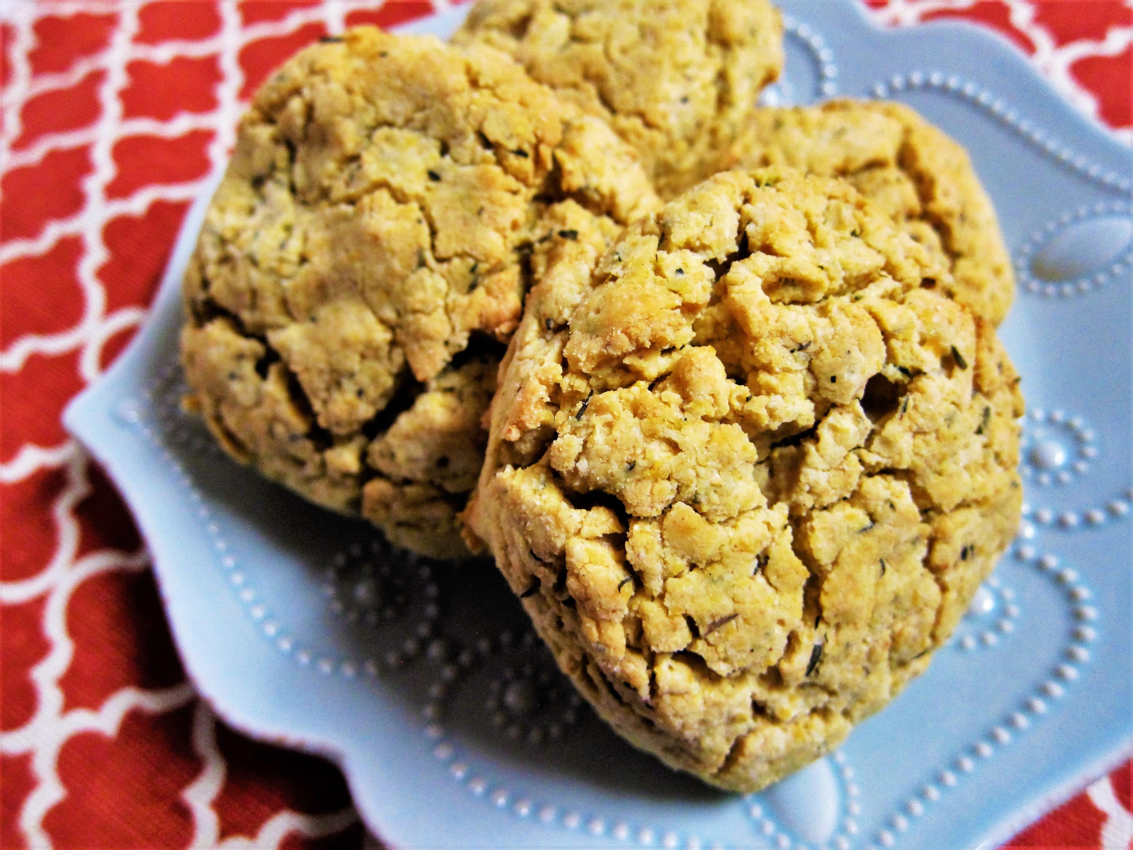Vegan Cheddar Thyme Biscuits