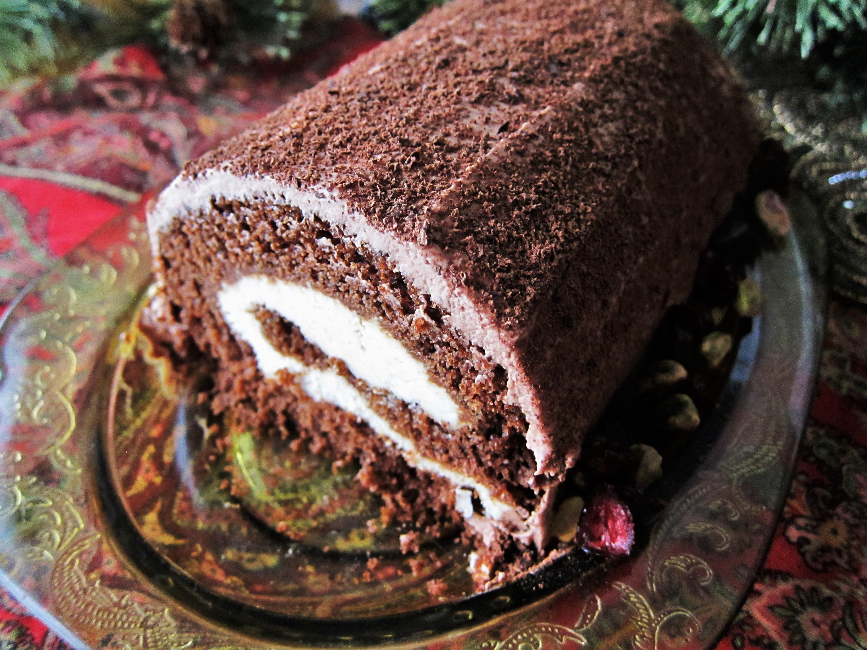 Vegan Yule Log Cake with Chestnut Cream Filling