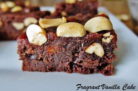 Vegan Salted Caramel Peanut Butter Brownies 3 (1000x659)