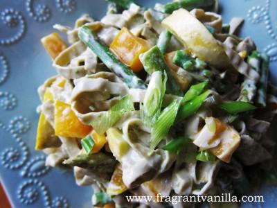 Creamy vegan spring pasta