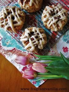 vegan cinnamon roll scones 1