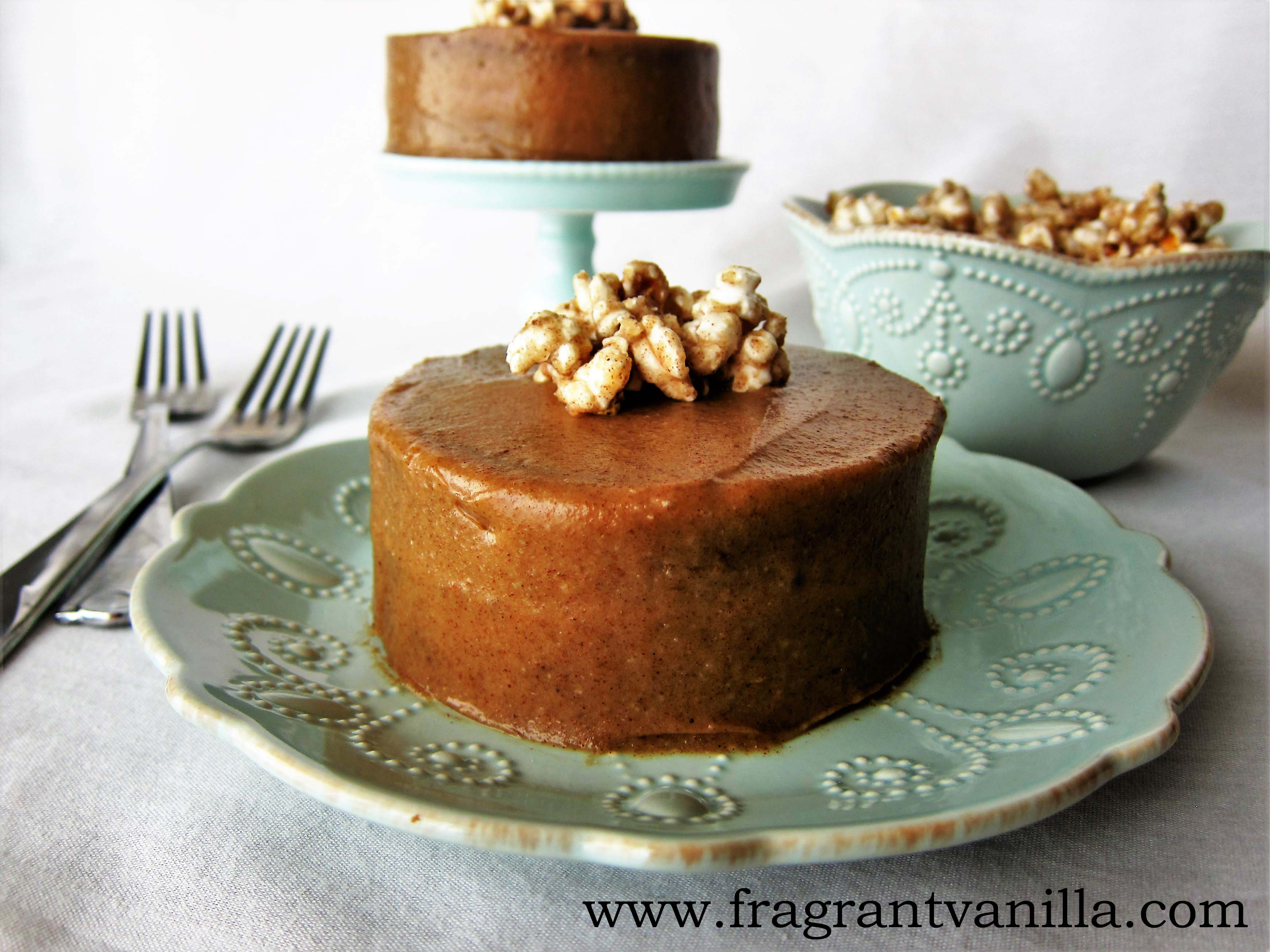 Mini Vegan Caramel Cakes