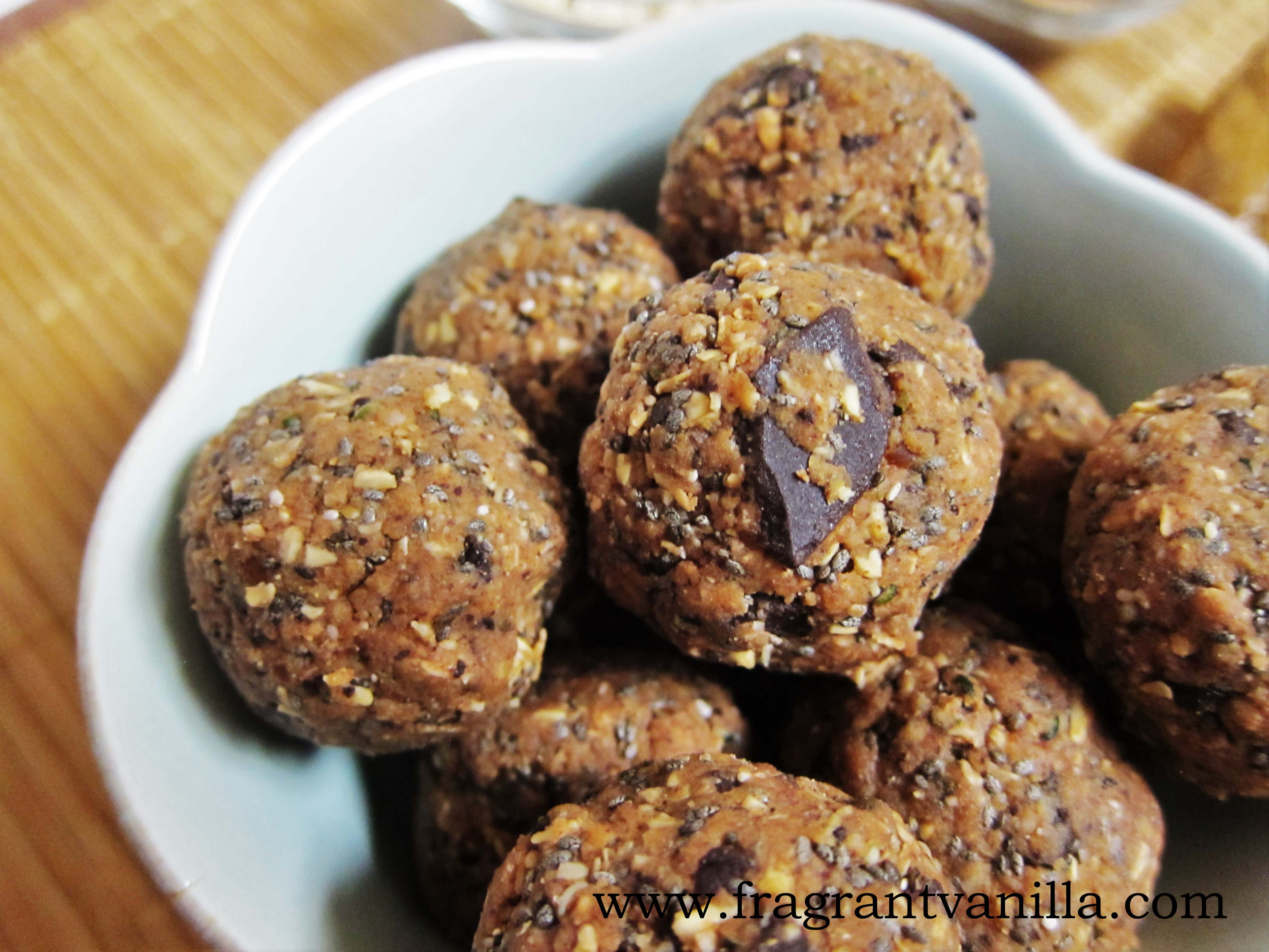 Oatmeal Chocolate Chip Cookie Energy Bites