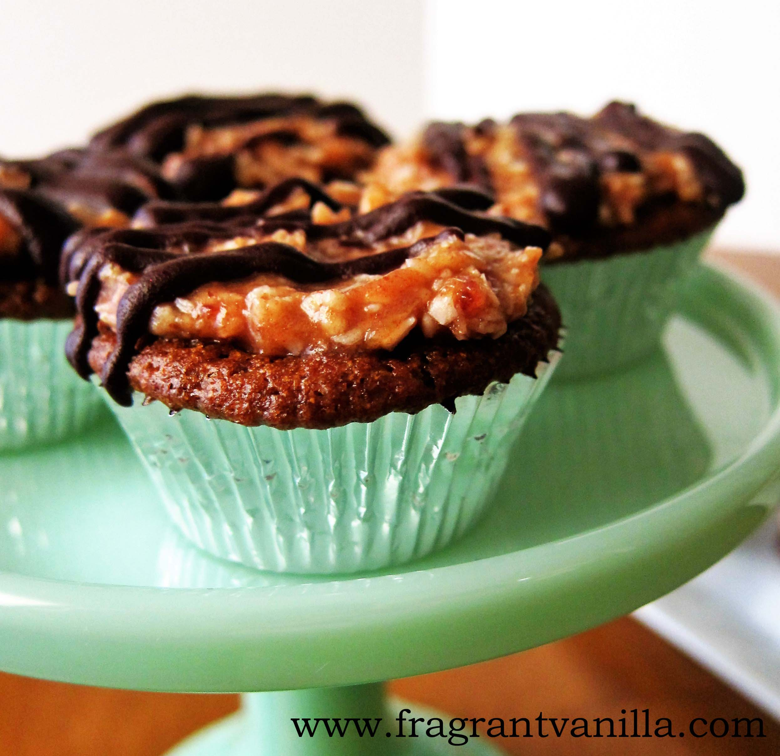 Mini Vegan Samoa Cupcakes