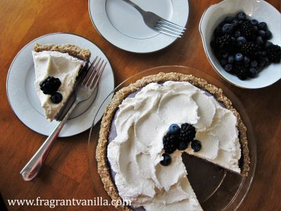 Black and Blue Berry Cheesecake Pie 4