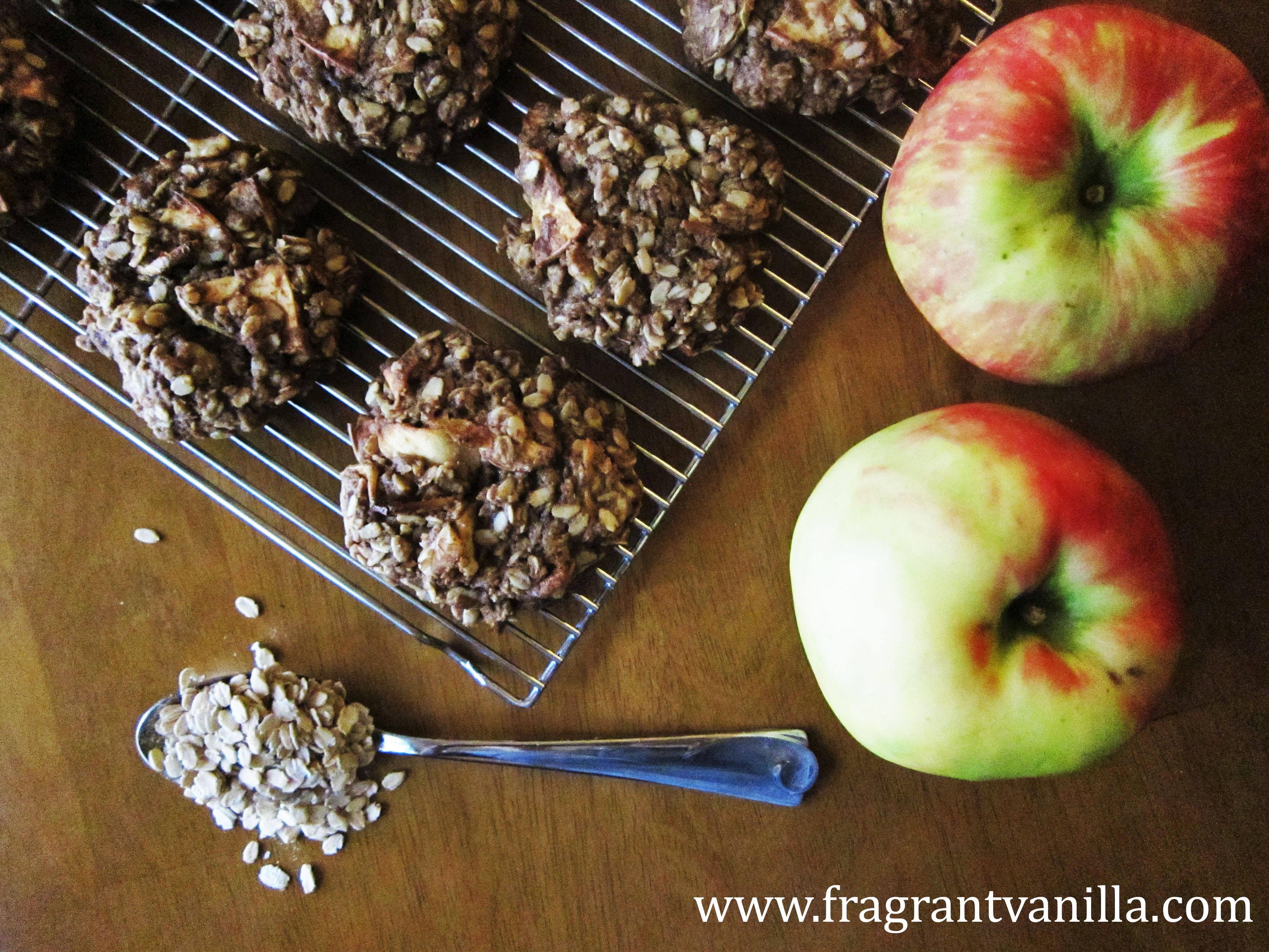 Vegan Apple Spice Oatmeal Cookies