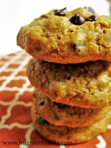 Vegan Pumpkin Spice Chocolate Chip Cookies 1