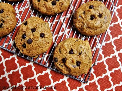 Vegan Pumpkin Spice Chocolate Chip Cookies 3