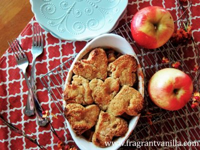 apple-cinnamon-cobbler-with-almond-biscuits-3