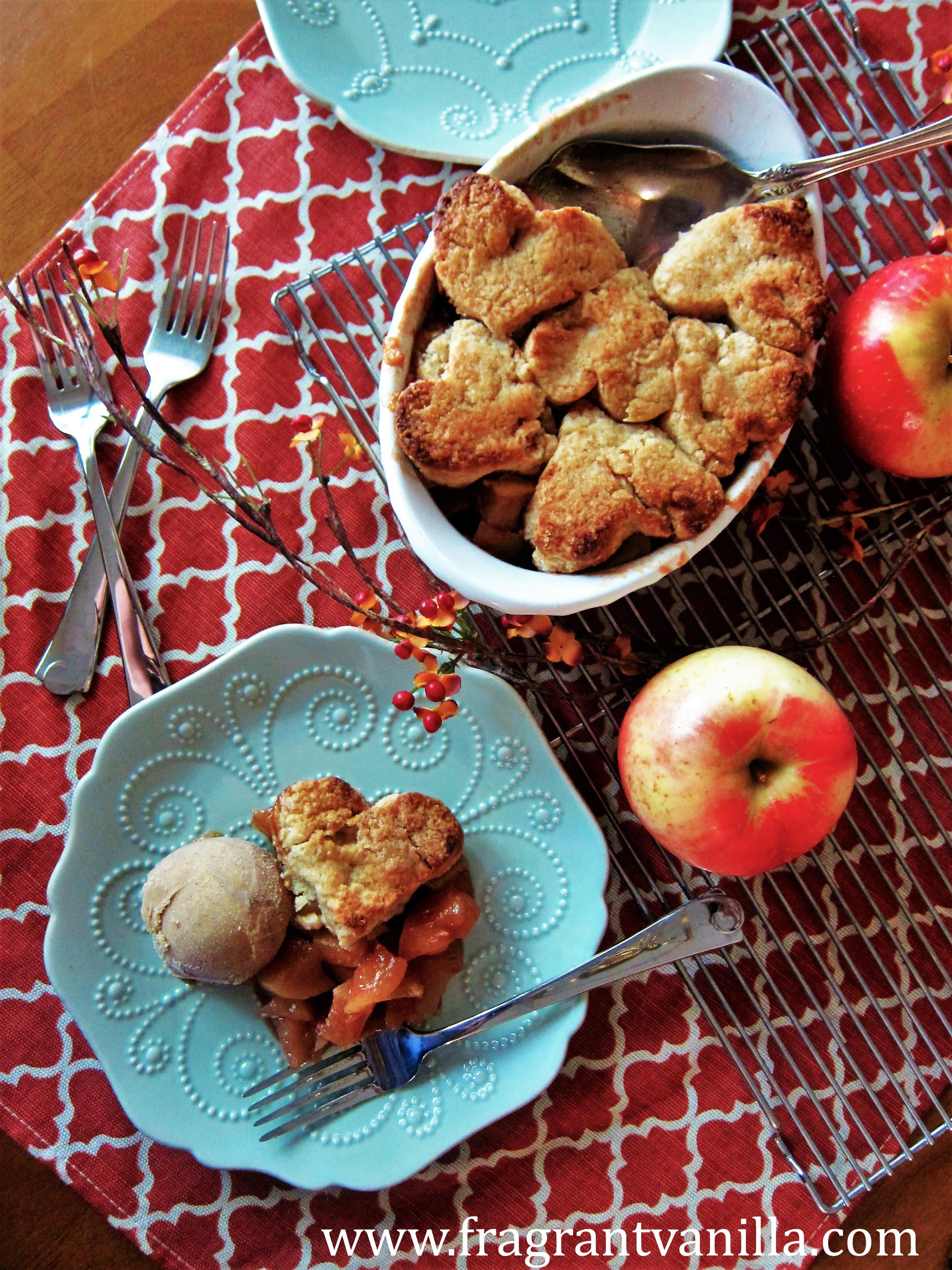 Vegan Apple Cinnamon Cobbler withAlmond Biscuits