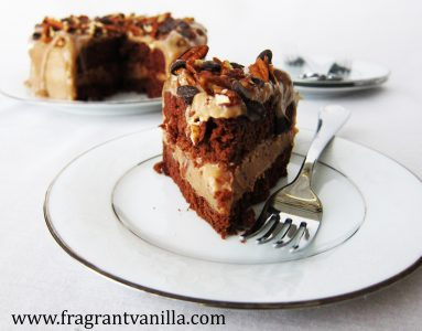 dark-chocolate-bourbon-pecan-caramel-cake-2