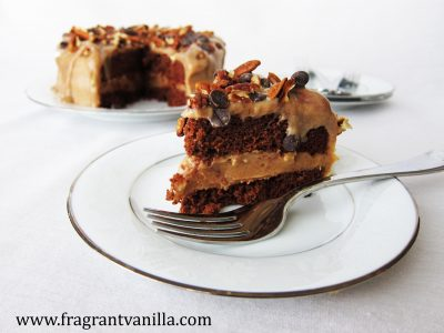 dark-chocolate-bourbon-pecan-caramel-cake-3