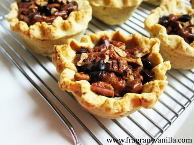 mini-chocolate-cinnamon-pecan-pies-1