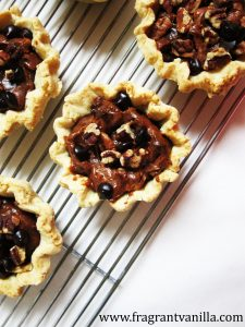 mini-chocolate-cinnamon-pecan-pies-2