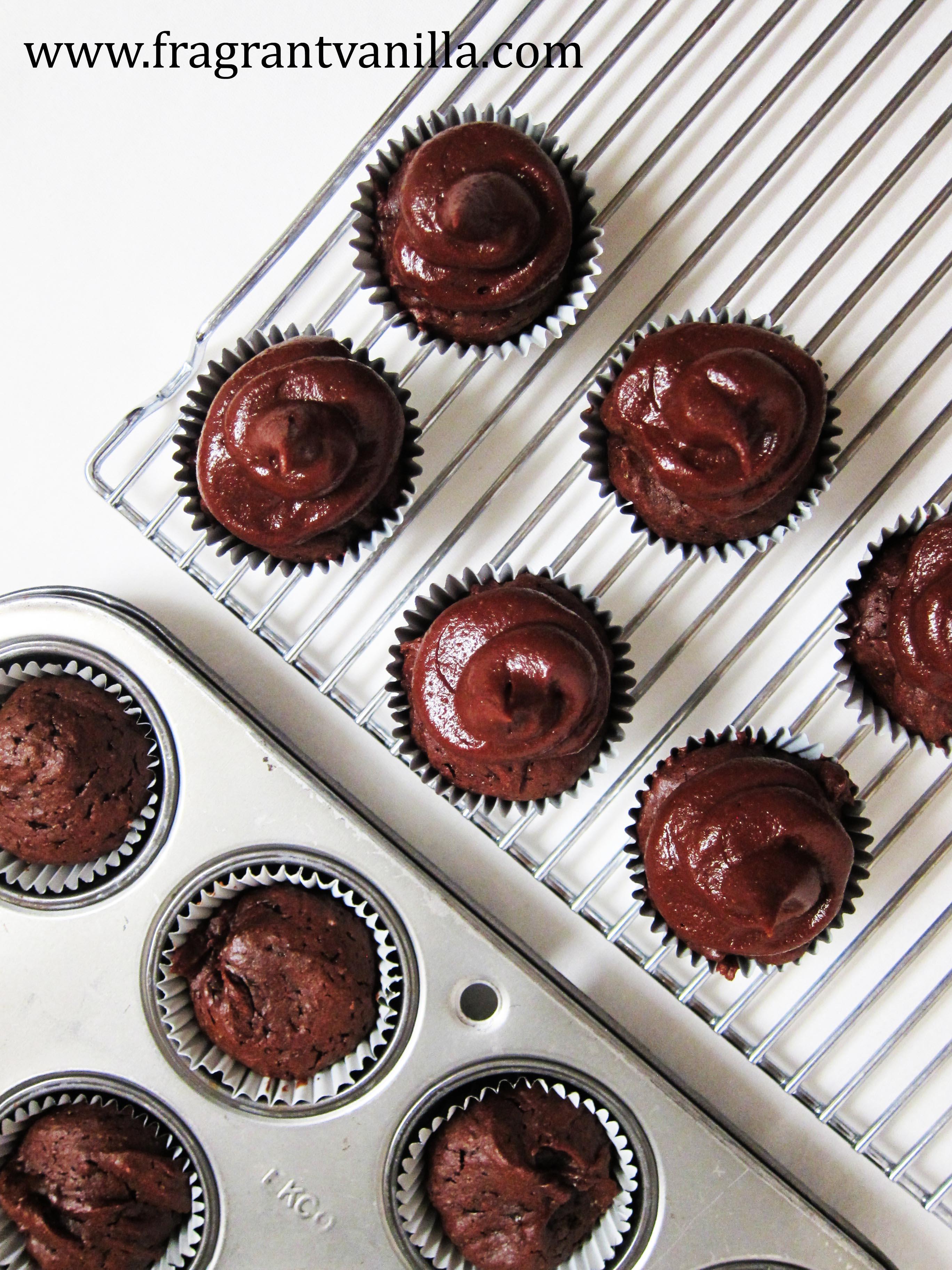 VeganMini Peanut Butter Brownie Cupcakes