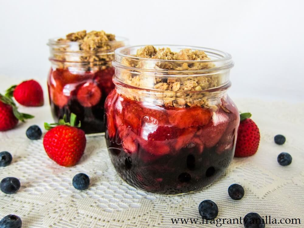Vegan Berry Crisp in a Jar
