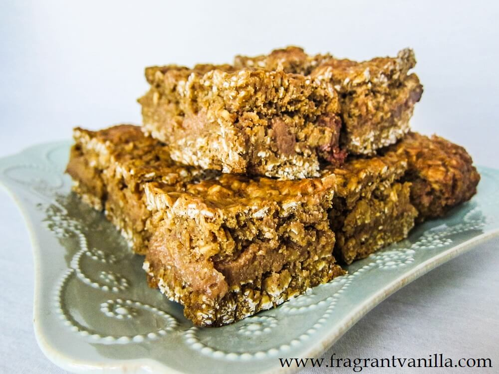 Vegan Oatmeal Caramel Cookie Bars