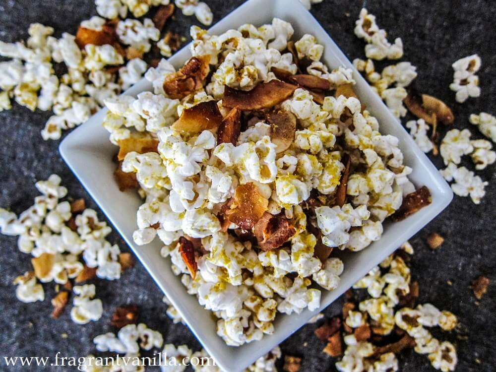 Vegan Cheddar Bacon Popcorn
