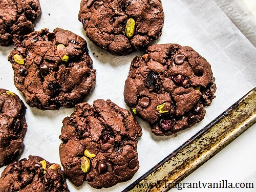 Vegan Dark Chocolate Cranberry Pistachio Brownie Cookies