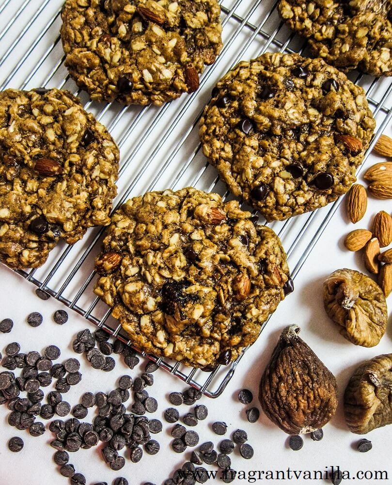 Vegan Fig Almond Chocolate Chip Oatmeal Cookies