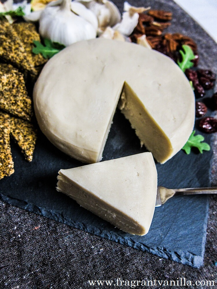 Vegan Garlic White Cheddar Cheeze