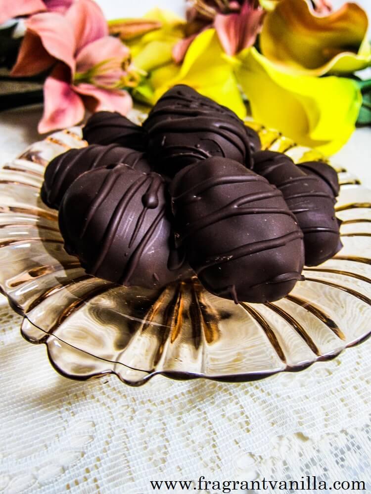 Vegan Blueberry Chocolate Eggs