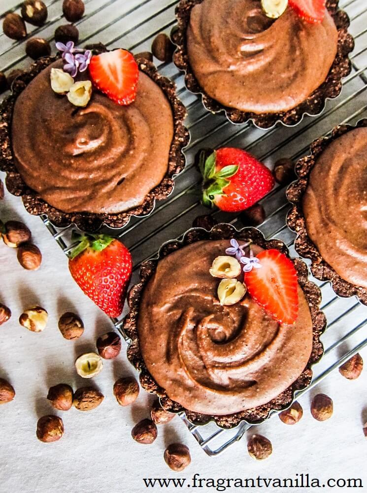 Mini Vegan Nutella Mousse Tarts