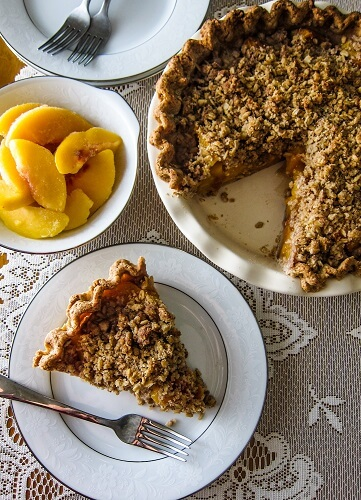 Vegan Peach Streusel Pie