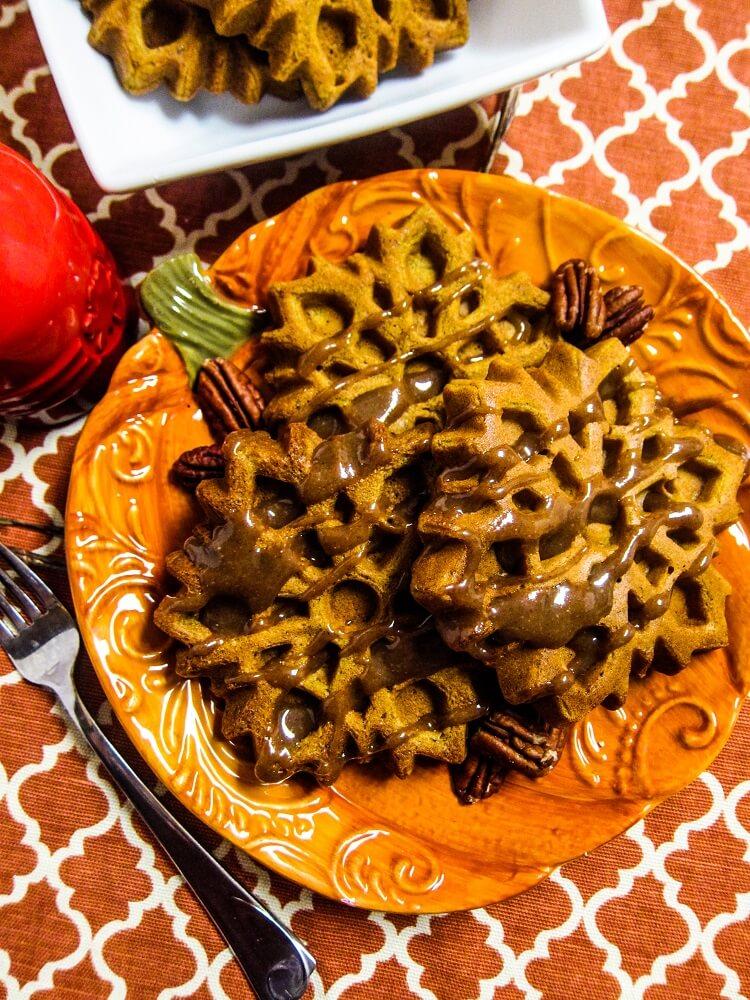 Vegan Pumpkin Spice Waffles