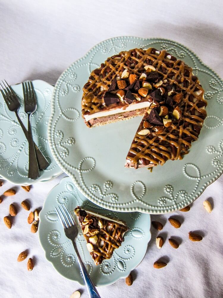 Vegan Snickers Almond Cheesecake