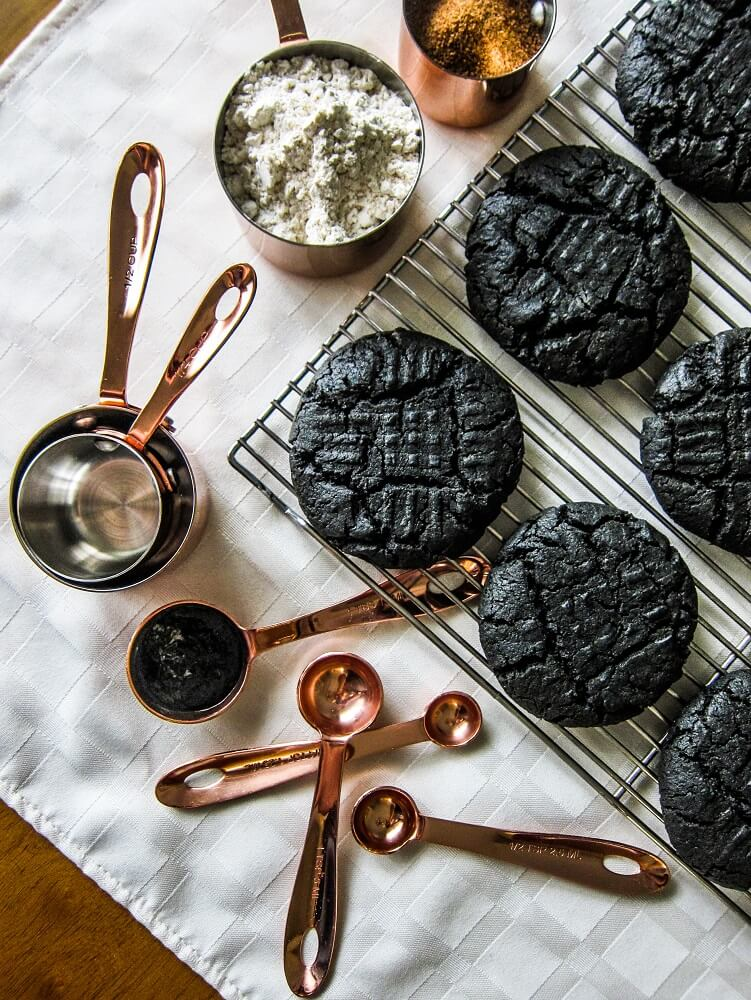 Vegan Black Tahini Cookies