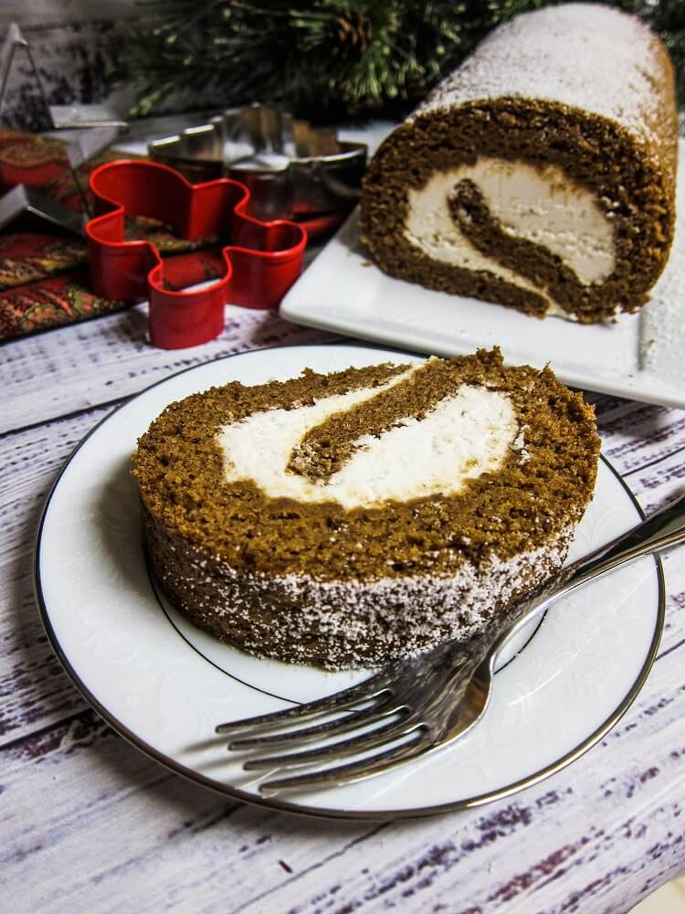 Vegan Gingerbread Roll Cake