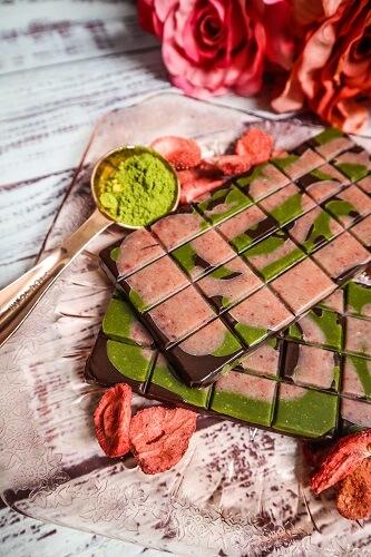 Vegan Strawberry Matcha Chocolate Bars