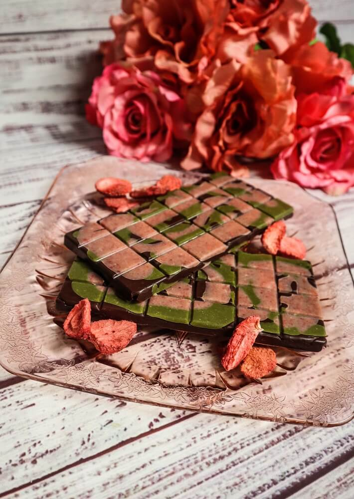 Vegan Strawberry Matcha Chocolate Bars